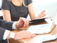 פגישת עסקים בעניין חוק אשראי הוגן
