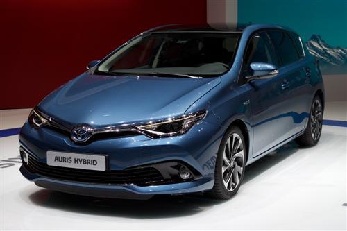 Toyota auris leasing