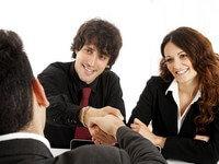 זוג שבא לקבל הלוואה