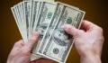אדם סופר כסף שקיבל כהלוואה למוגבל